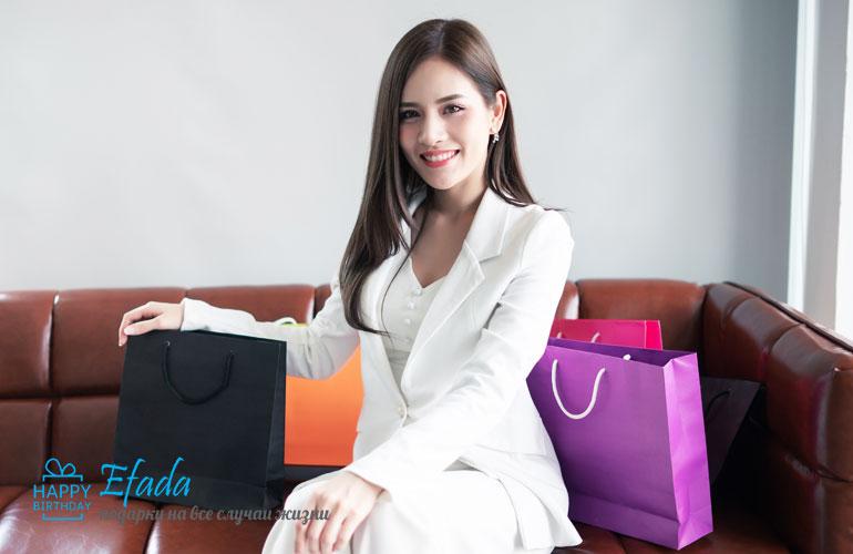 Что-подарить-на-день-рождения-женщине-коллеге